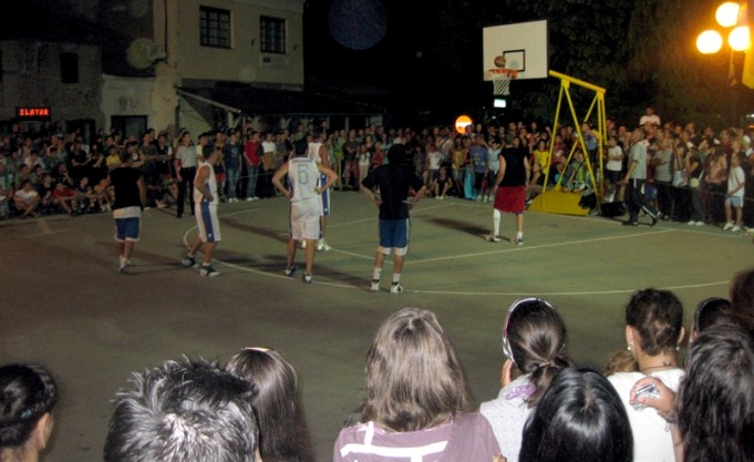 Street basket 2010